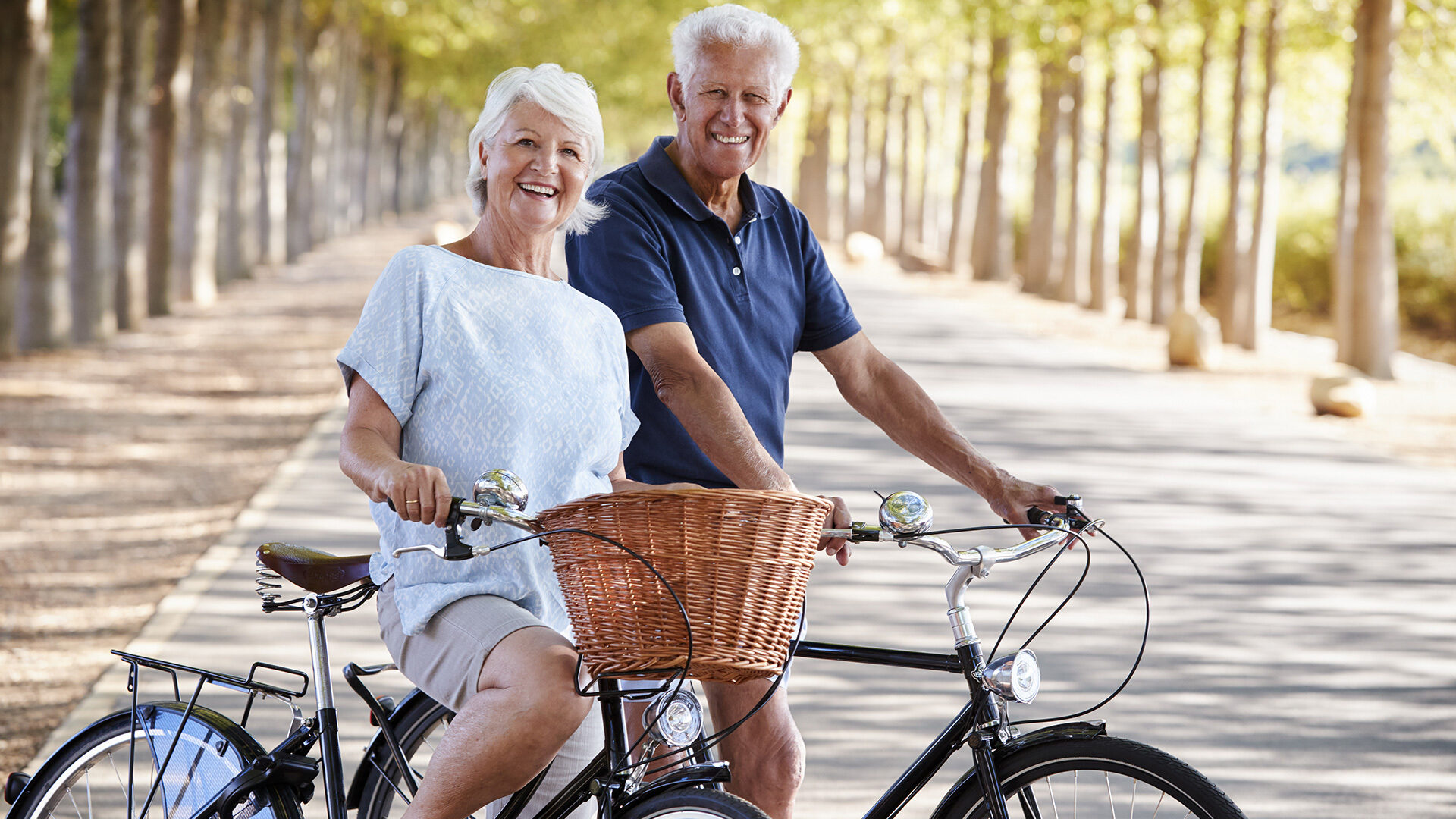 Ne senior couple bikes hero