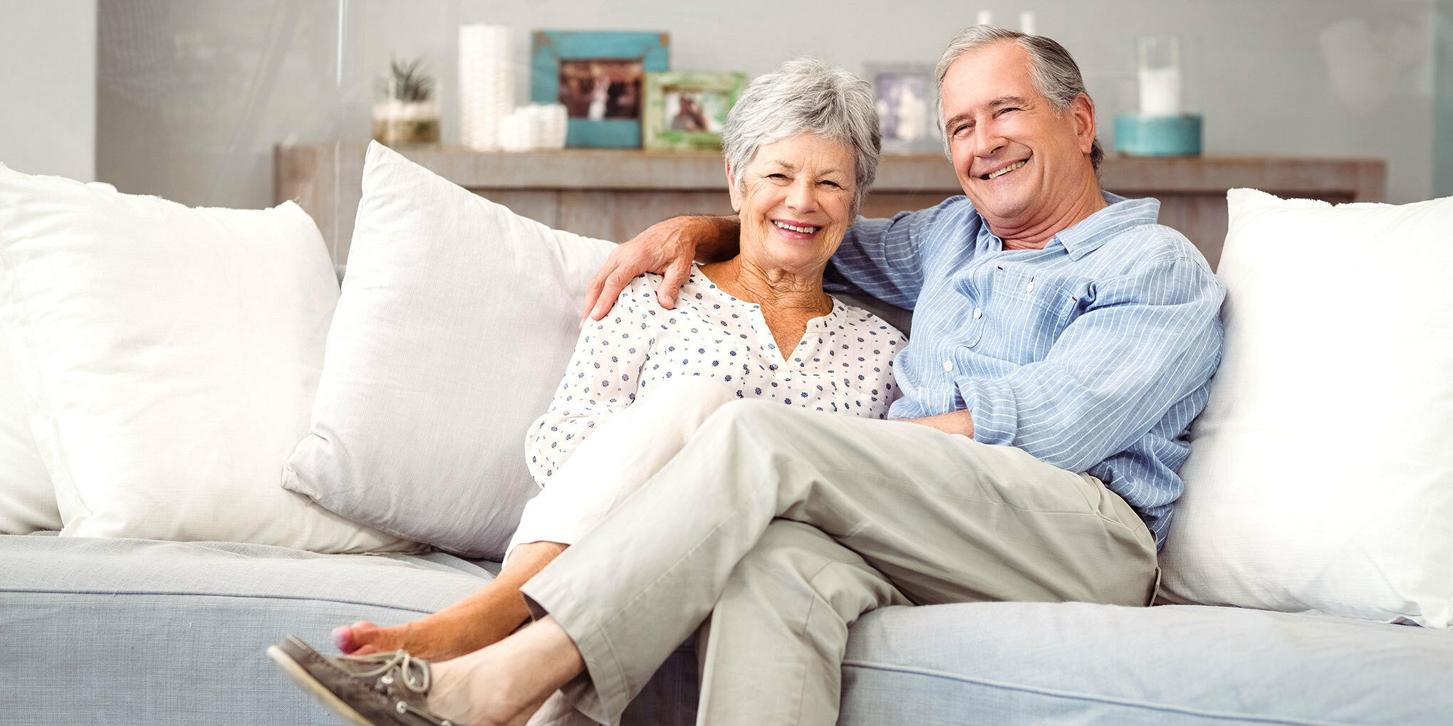 Ne web happy couch couple header 2019